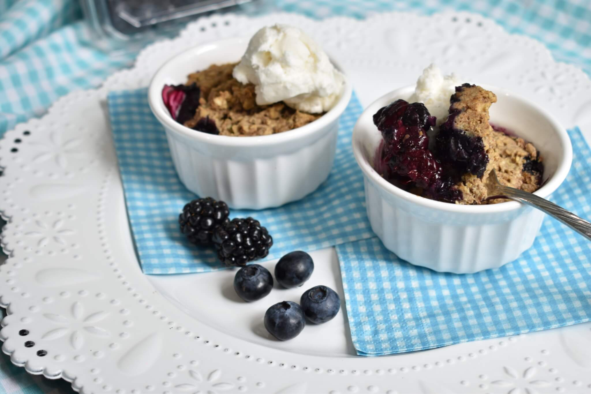 easy blackberry blueberry cobbler recipe